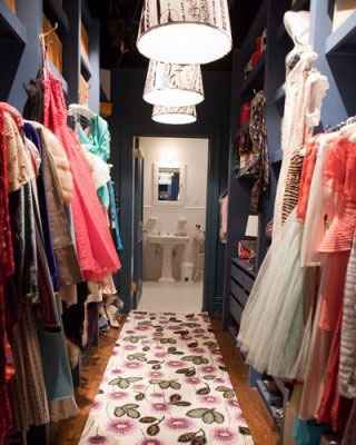 Walk-in Closet :: Every Woman's Dream